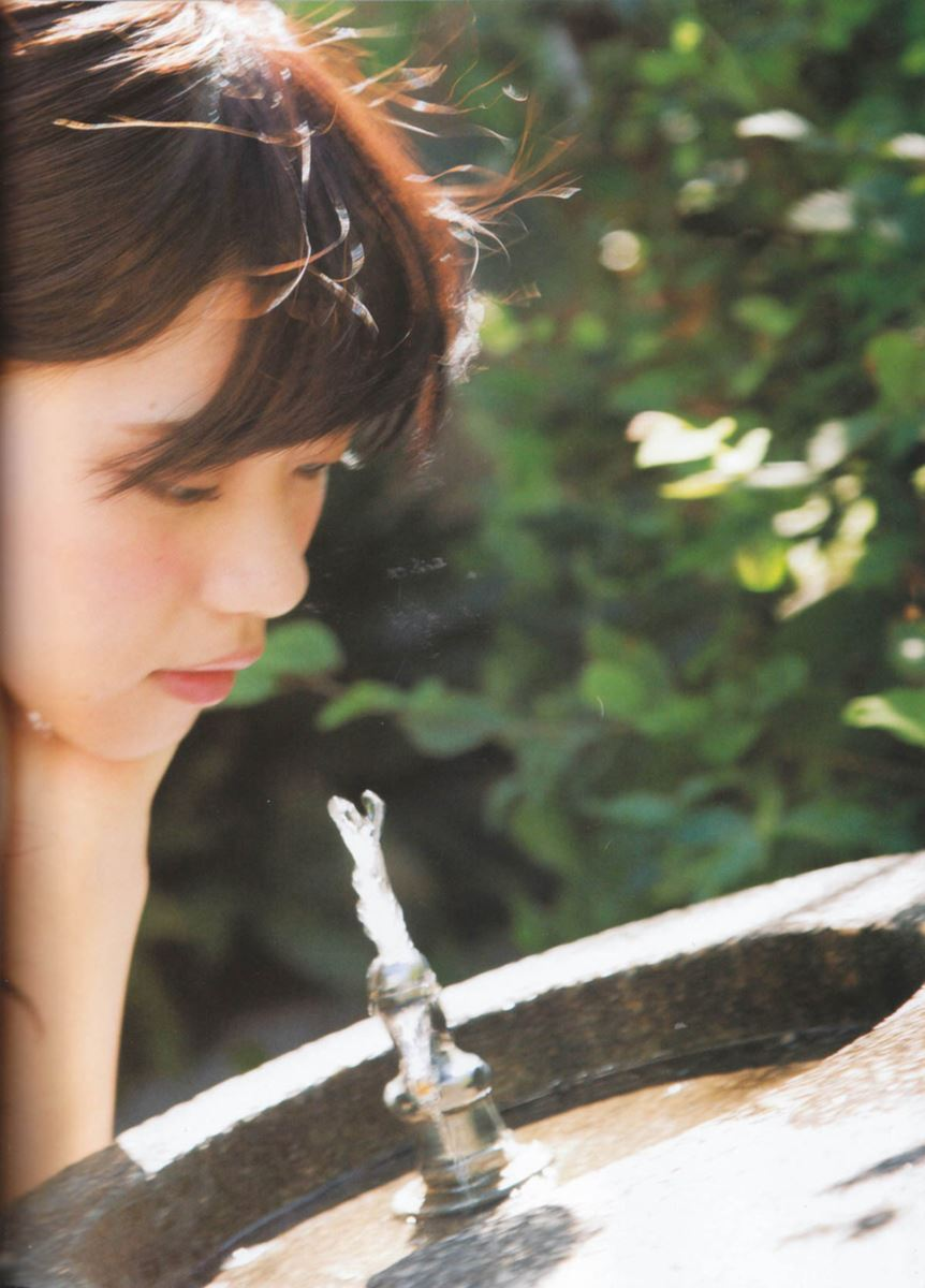 西野七瀬の水着写真集「普段着」エロ画像 68