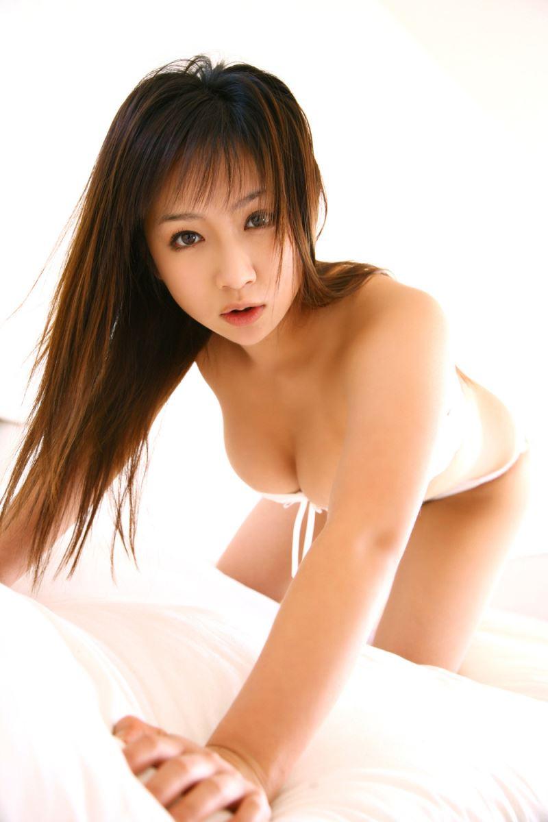 グラビアアイドル 愛川ゆず季 爆乳 ビキニ画像 60