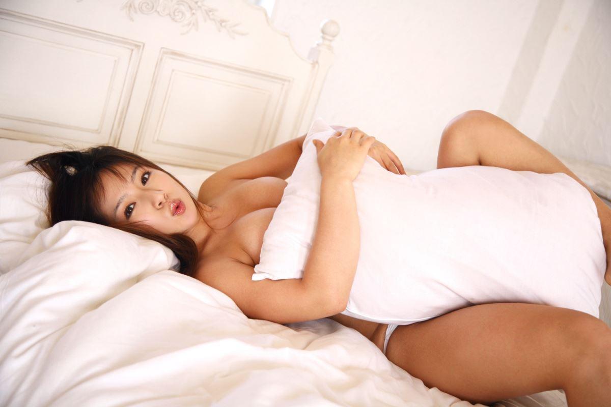 グラビアアイドル 愛川ゆず季 爆乳 ビキニ画像 76
