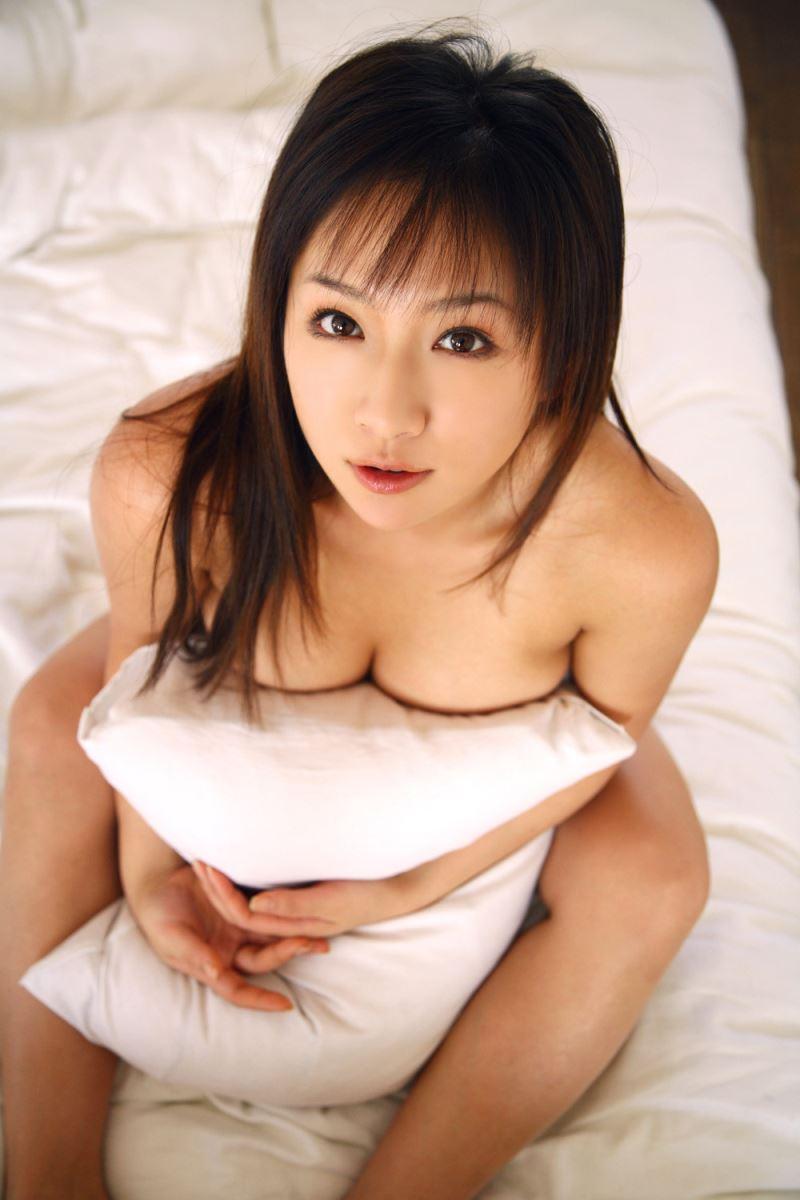 グラビアアイドル 愛川ゆず季 爆乳 ビキニ画像 82