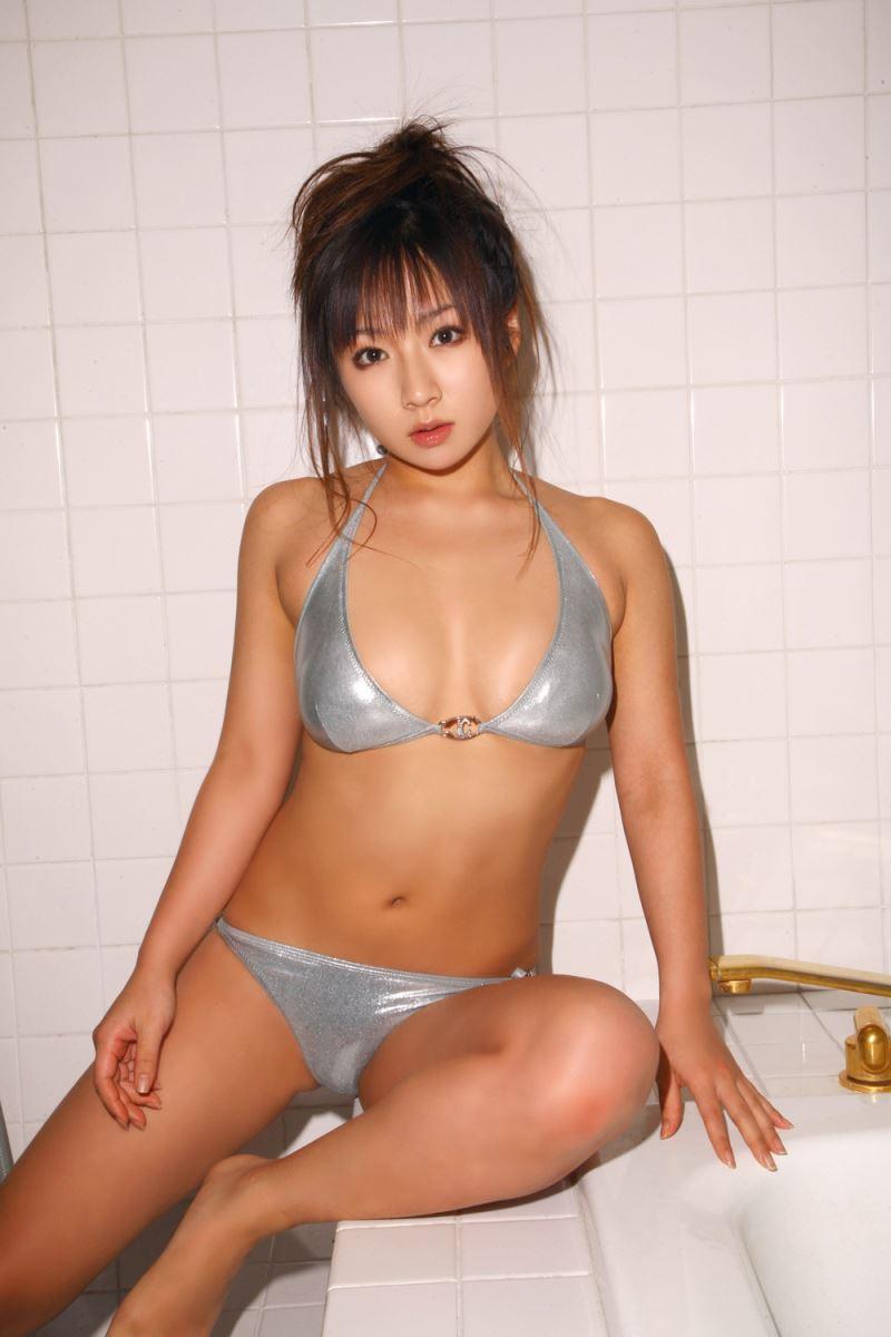 グラビアアイドル 愛川ゆず季 爆乳 ビキニ画像 95