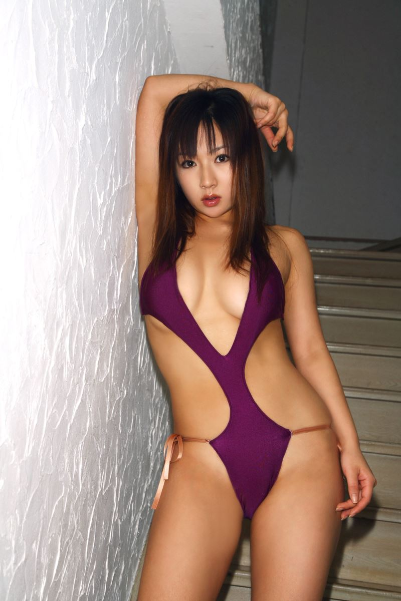 グラビアアイドル 愛川ゆず季 爆乳 ビキニ画像 97