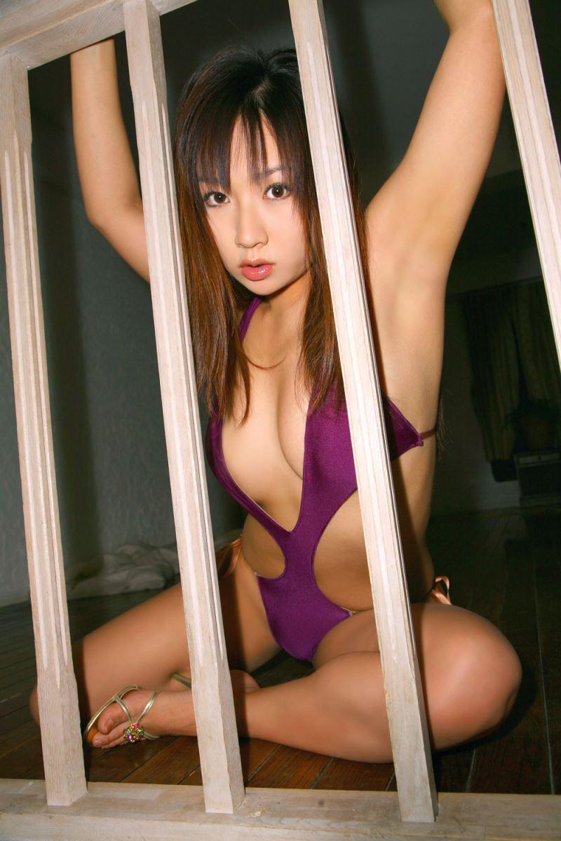 グラビアアイドル 愛川ゆず季 爆乳 ビキニ画像 104
