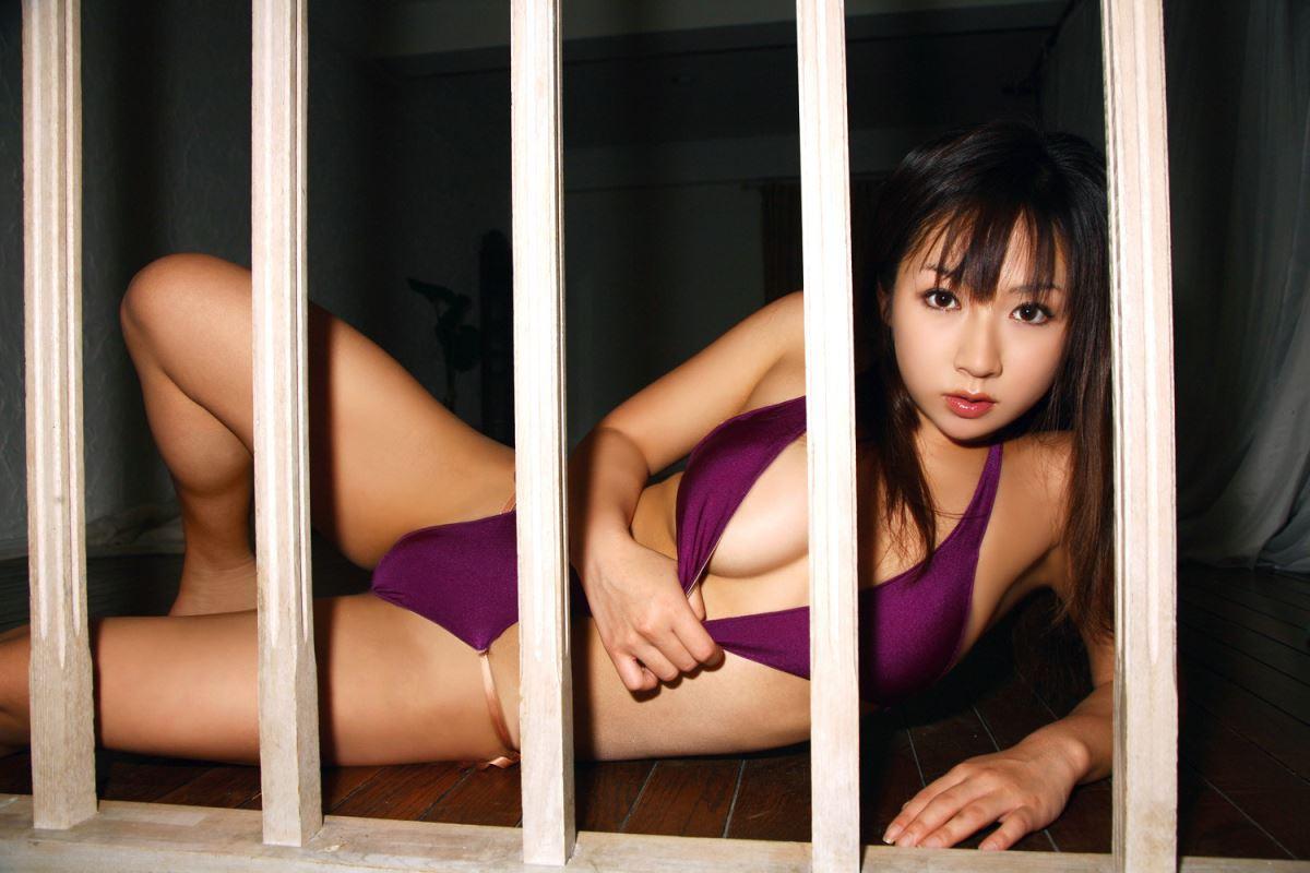 グラビアアイドル 愛川ゆず季 爆乳 ビキニ画像 105