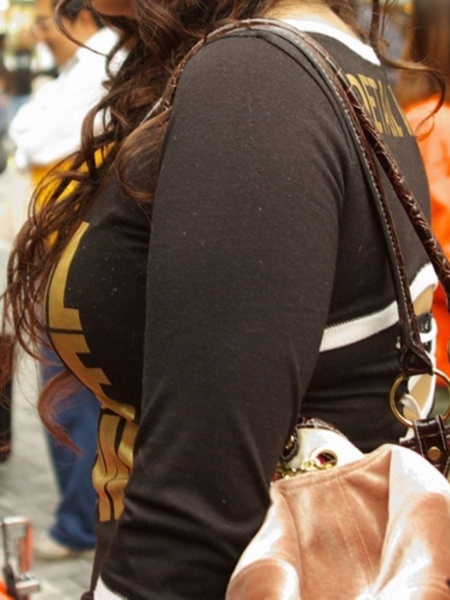 巨乳素人 街撮り 着衣おっぱい画像 8