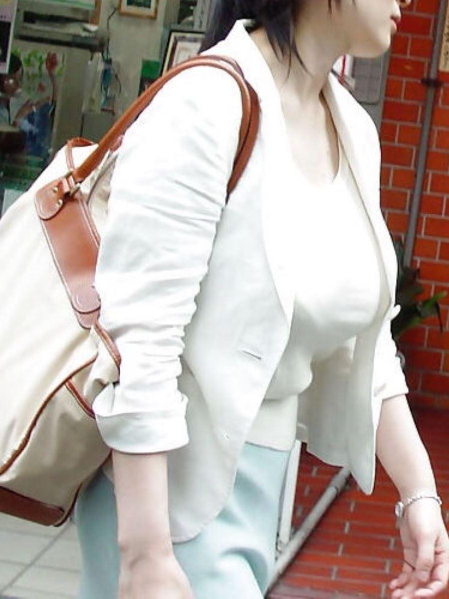 巨乳素人 街撮り 着衣おっぱい画像 99