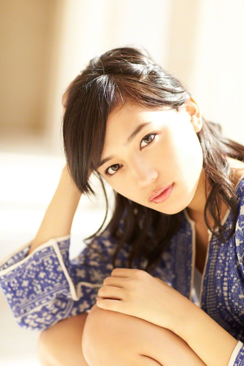 川口春奈が美人すぎる高画質グラビア画像