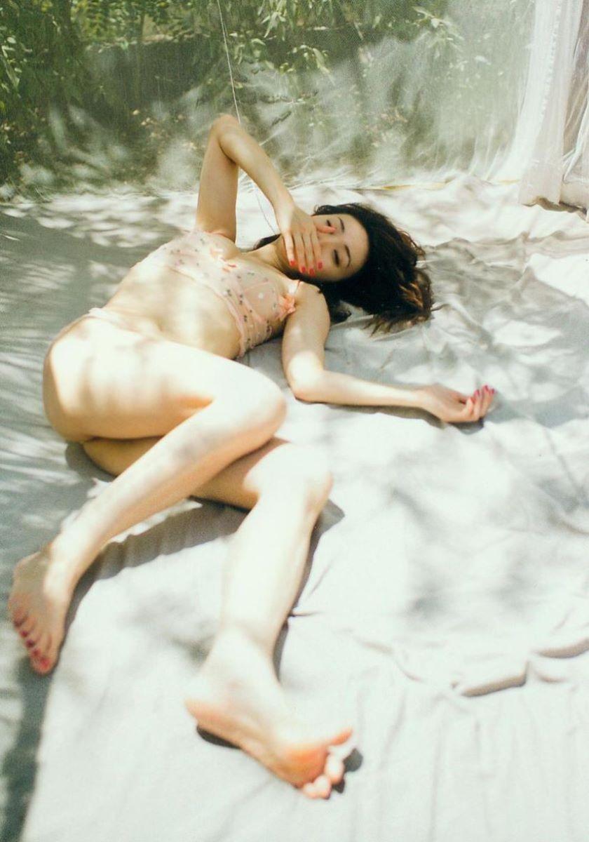 大島優子のオカズ写真集「脱ぎやがれ!」画像 27