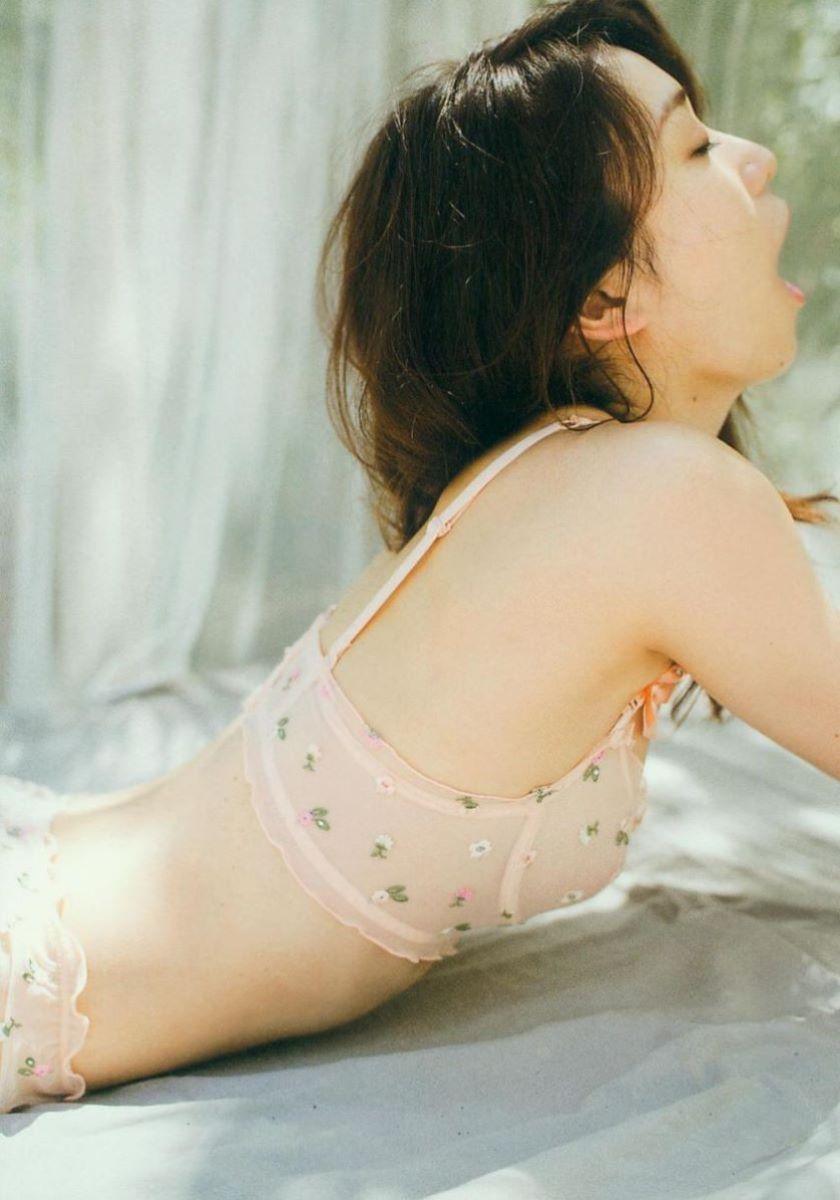 大島優子のオカズ写真集「脱ぎやがれ!」画像 28