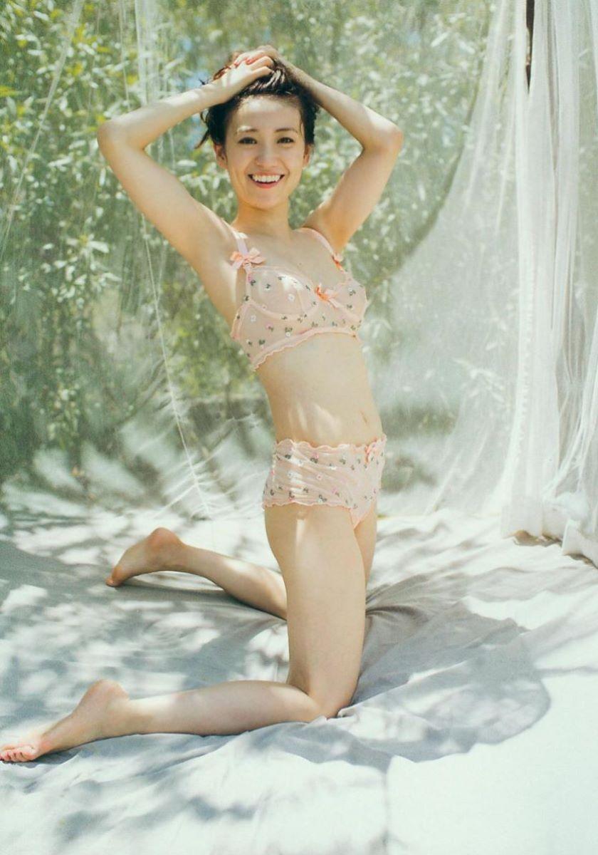 大島優子のオカズ写真集「脱ぎやがれ!」画像 30