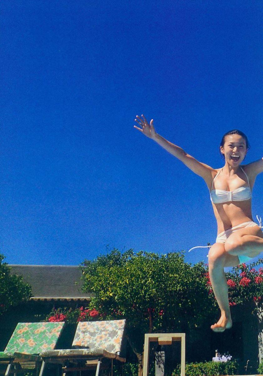 大島優子のオカズ写真集「脱ぎやがれ!」画像 40
