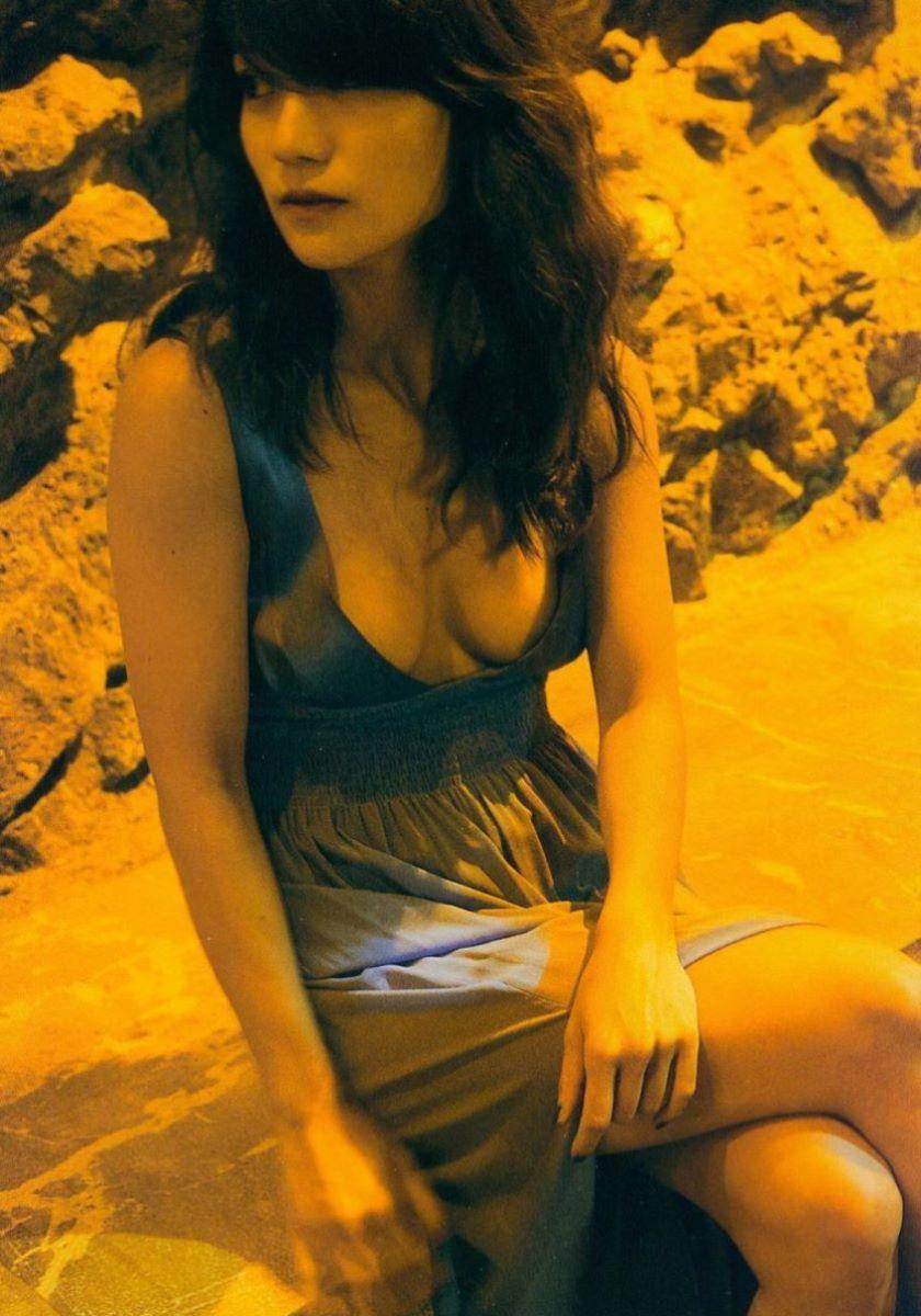 大島優子のオカズ写真集「脱ぎやがれ!」画像 98