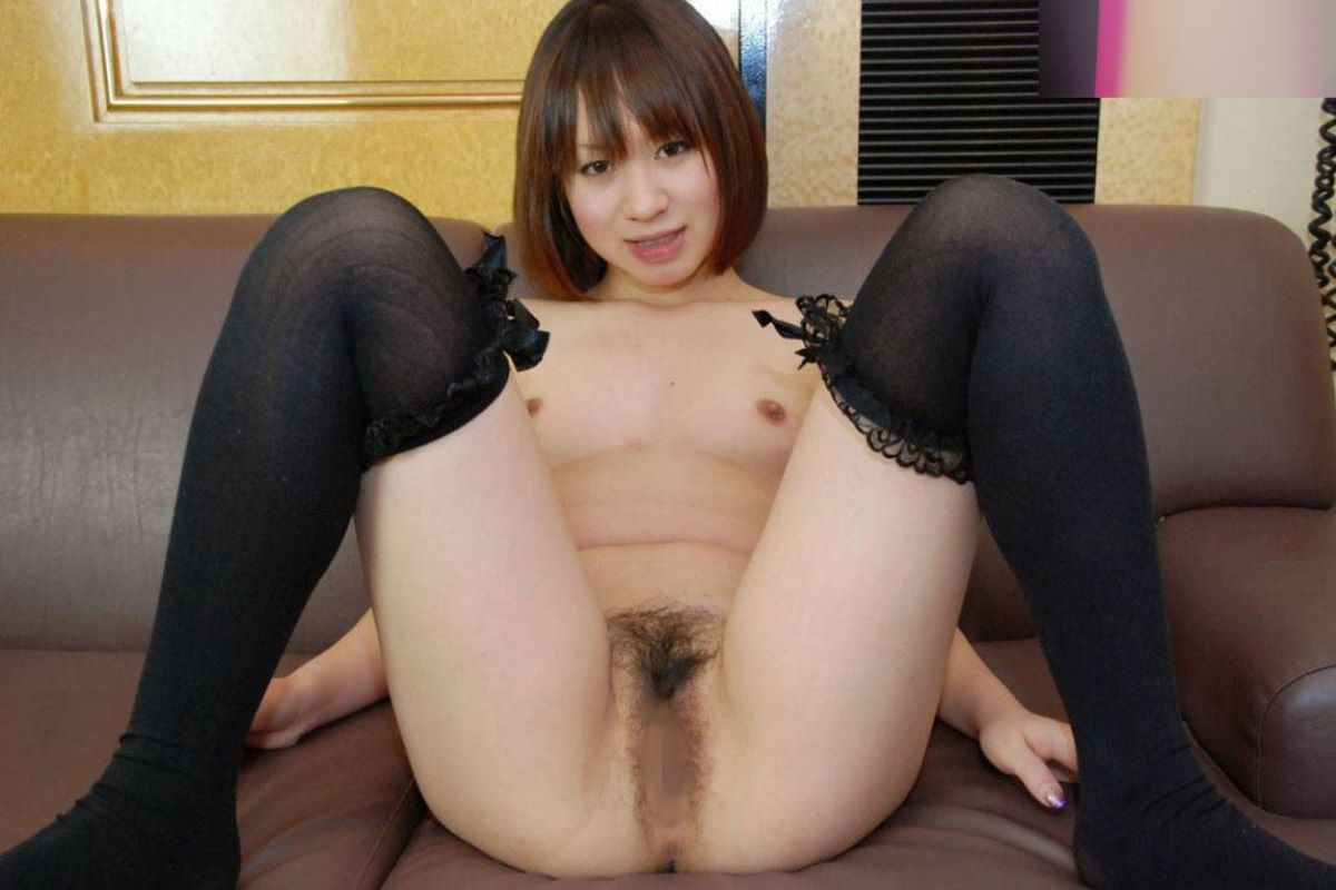 M字開脚 エロ画像 57