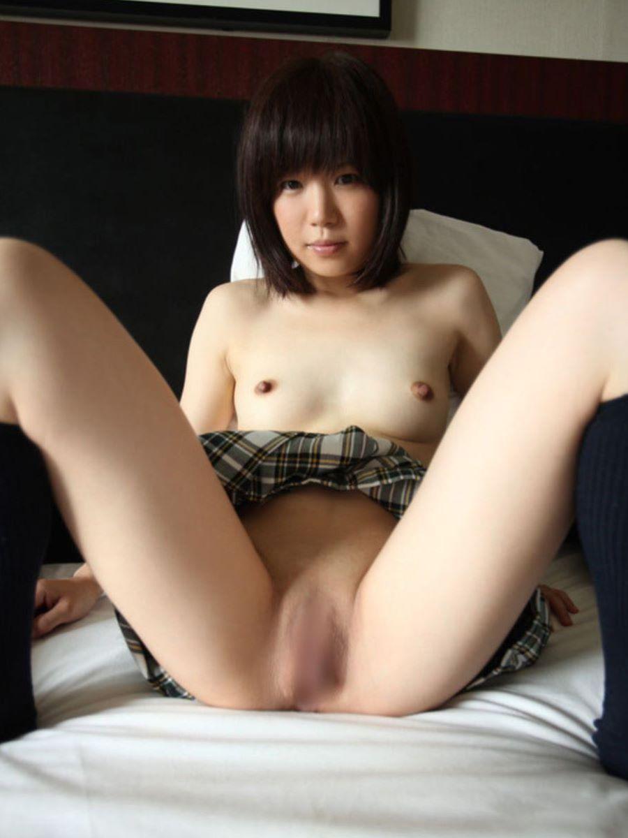 M字開脚 エロ画像 69