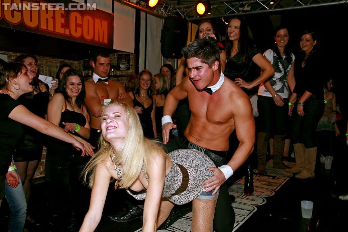 海外の乱交パーティー・セックス画像 2