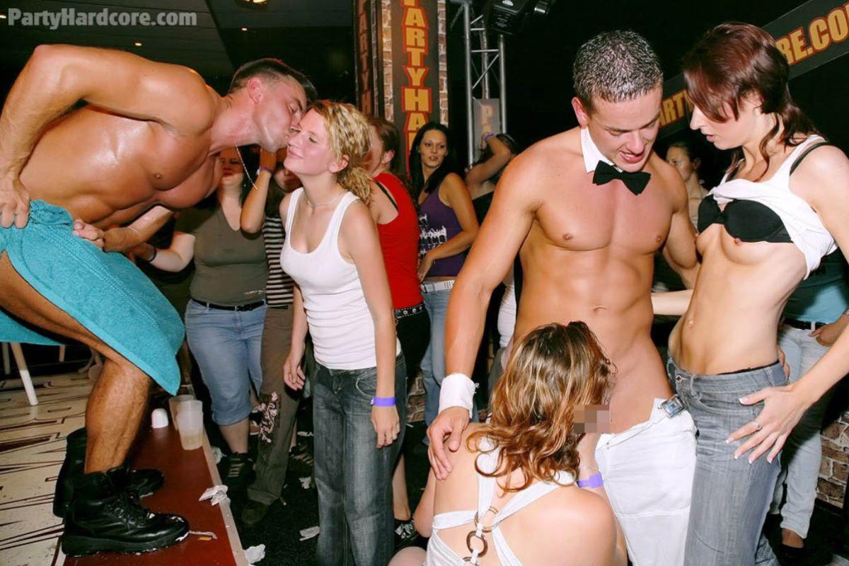 海外の乱交パーティー・セックス画像 5