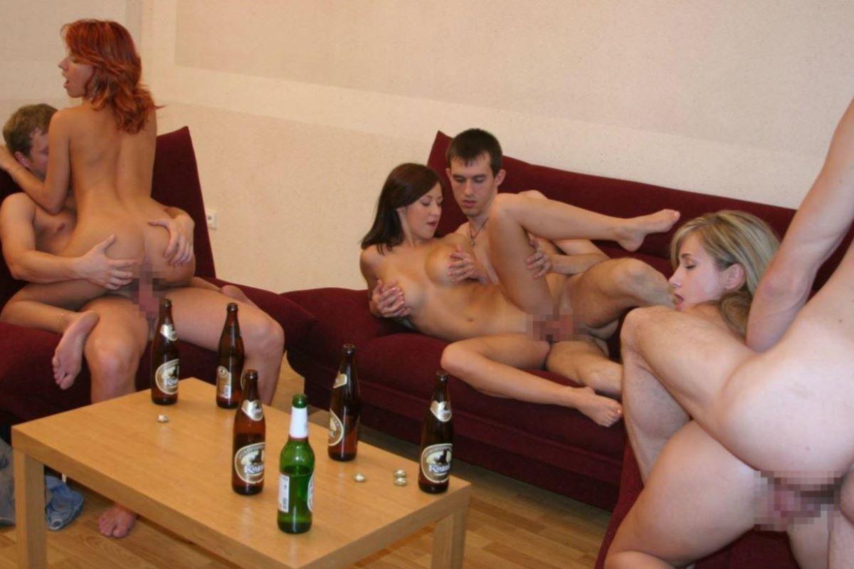 海外の乱交パーティー・セックス画像 25