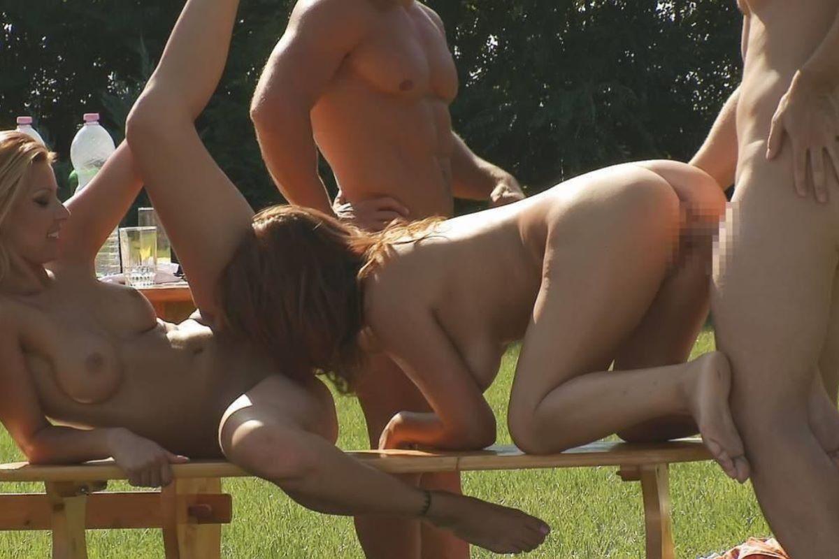 海外の乱交パーティー・セックス画像 41