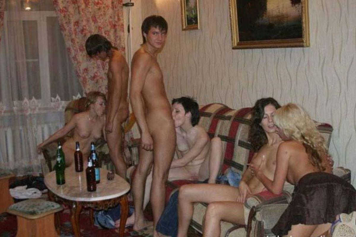 海外の乱交パーティー・セックス画像 80