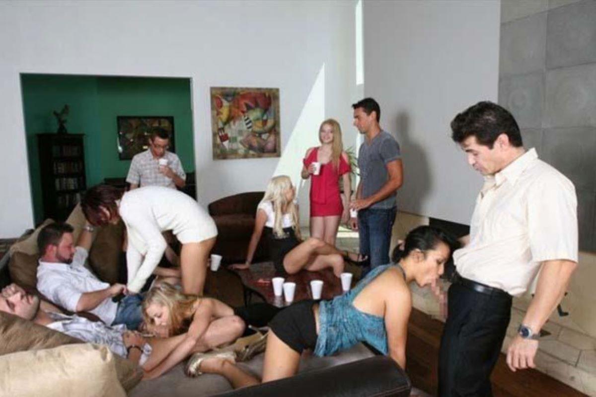 海外の乱交パーティー・セックス画像 87