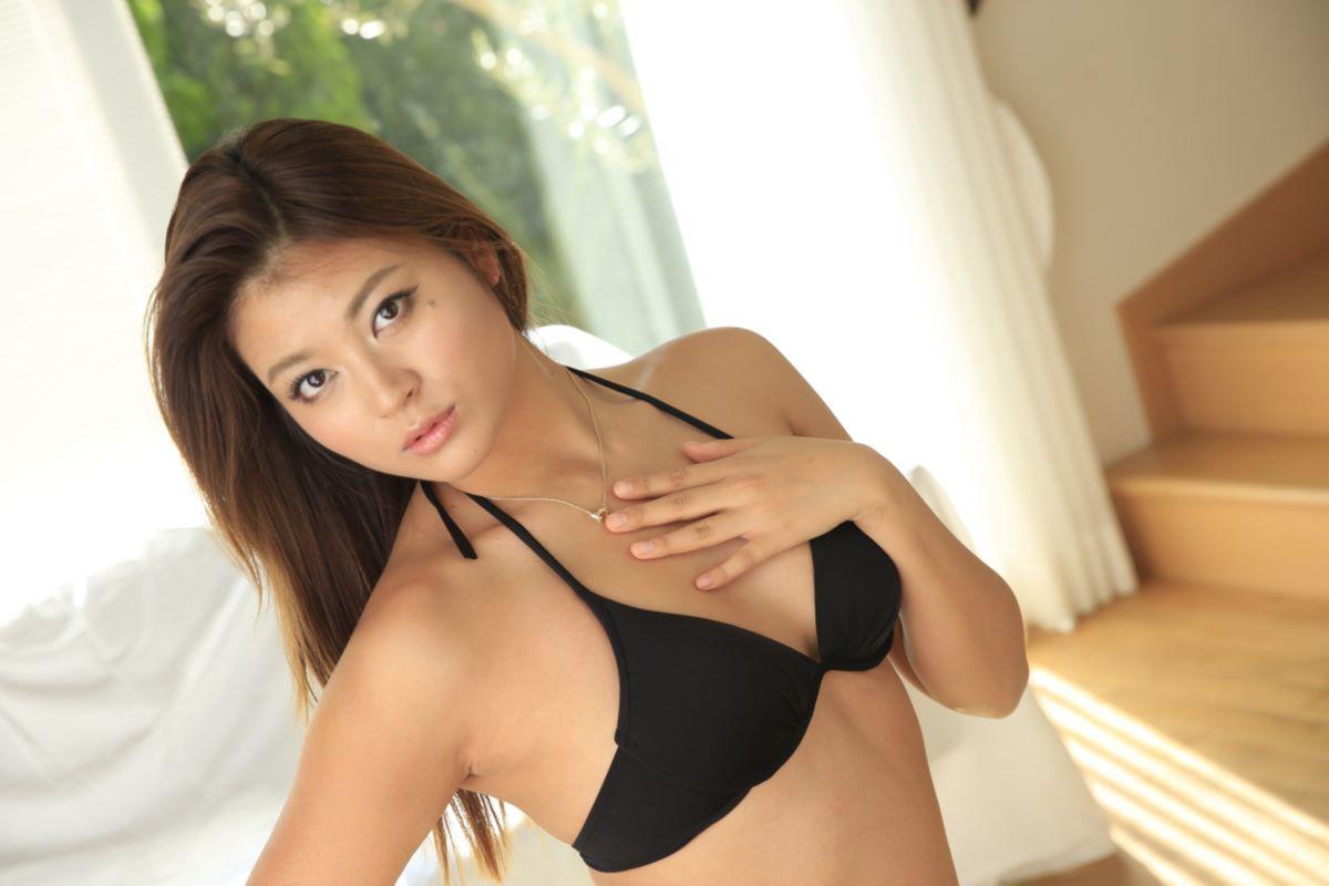 綾名レナ クォーター美女の無修正デビュー画像 30