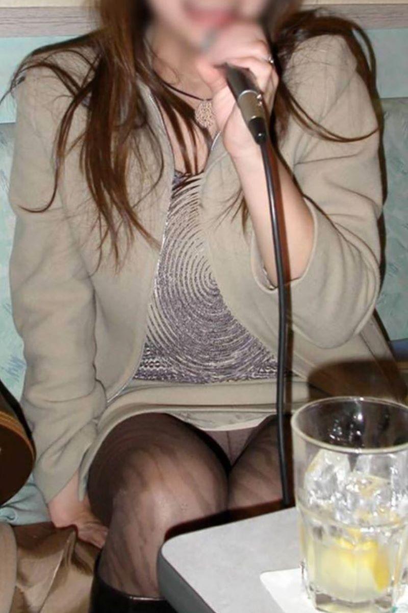 酔っ払い女のパンチラ画像 8