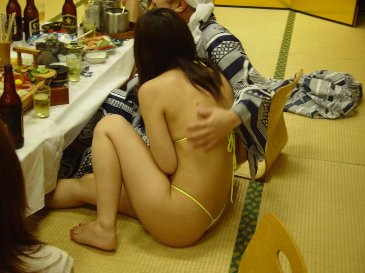 お酒を飲んでハメ外し過ぎた悪ノリ淫行画像 13