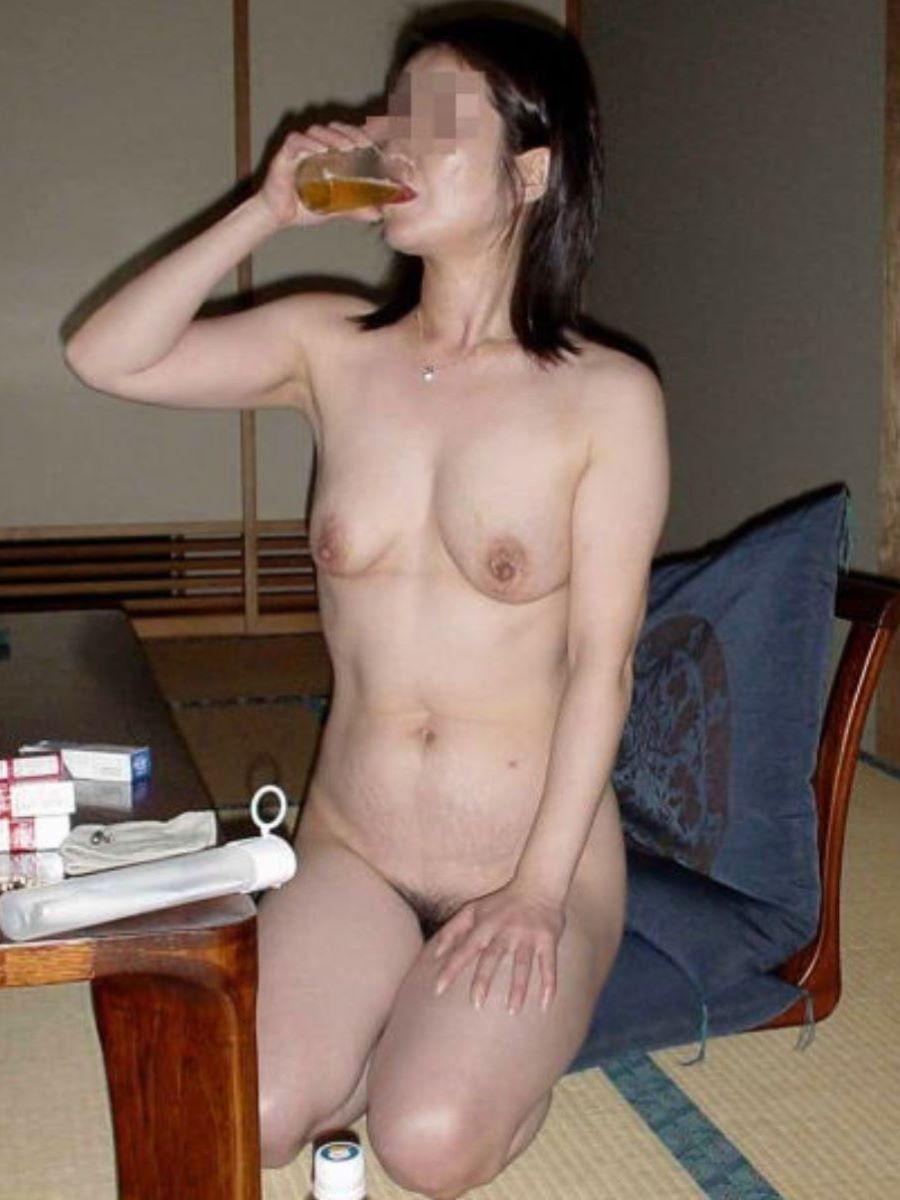 お酒を飲んでハメ外し過ぎた悪ノリ淫行画像 96