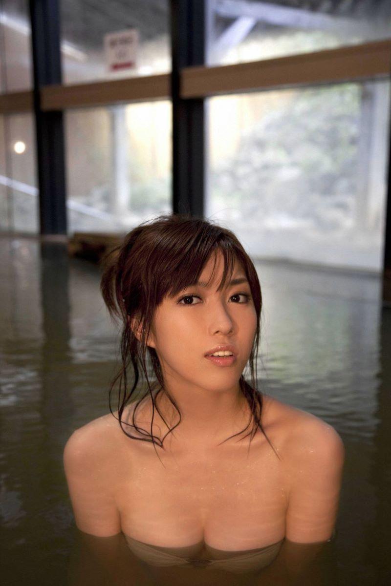 中村静香 温泉入浴シーン av