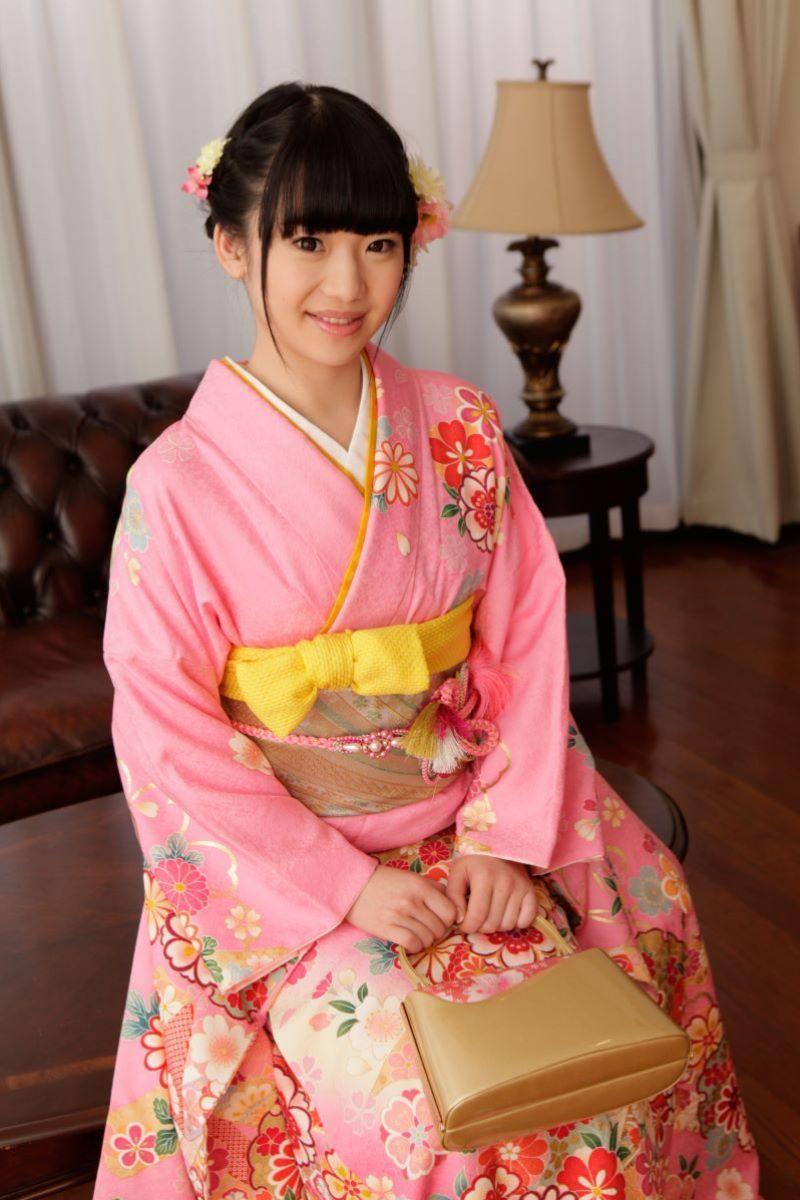 姫川ゆうながマンコを晒した無修正デビュー画像