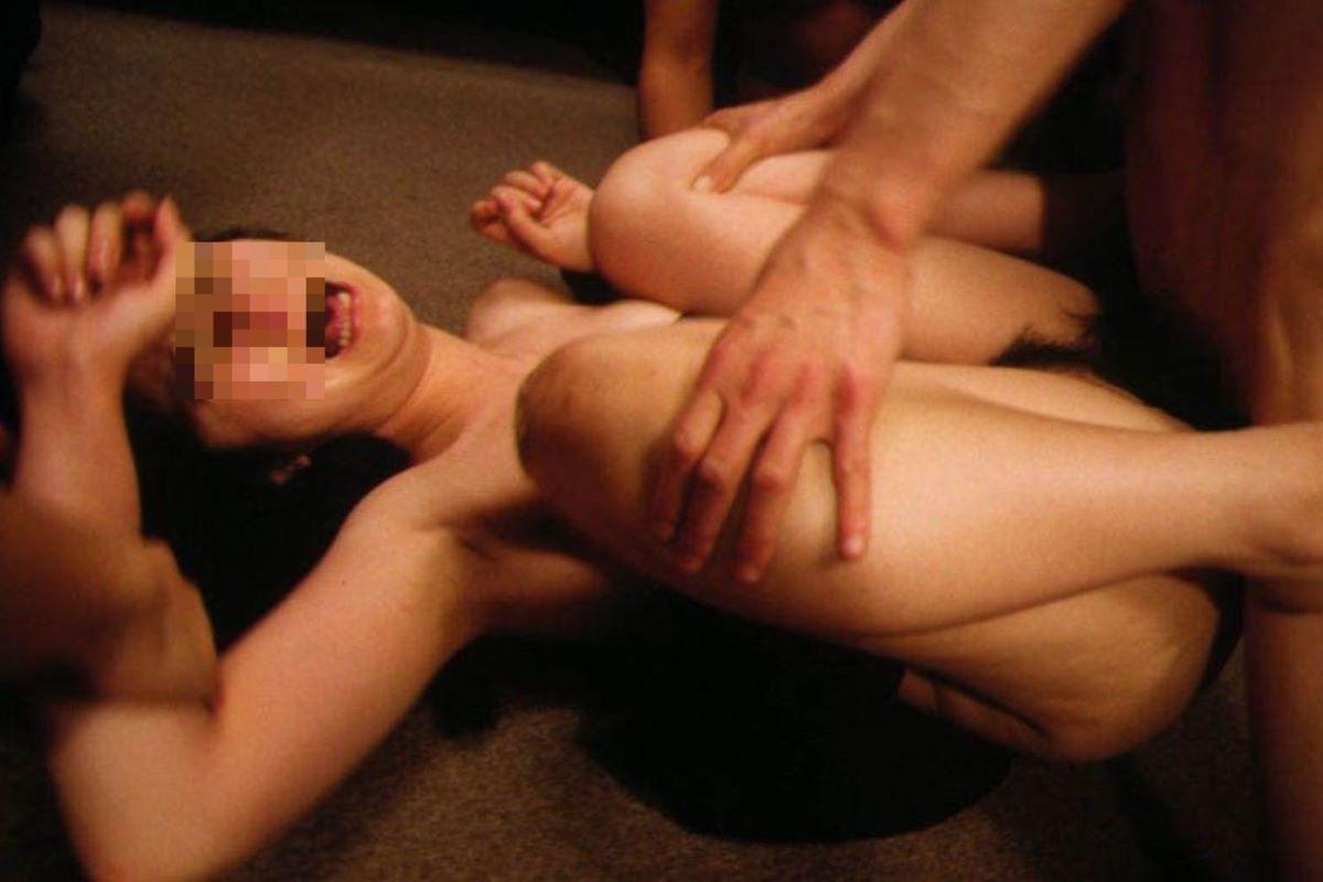 レイプ(強姦)のエロ画像 78