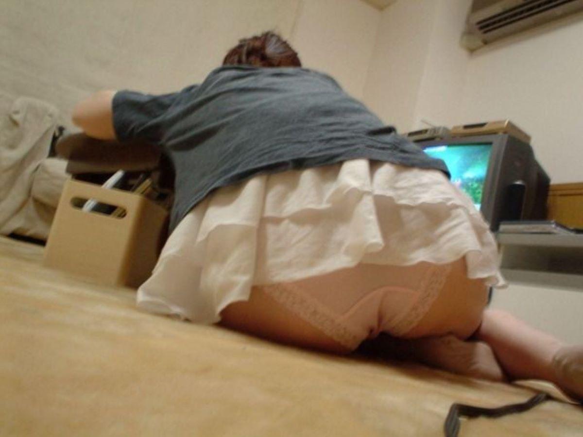家庭内盗撮のエロ画像 96