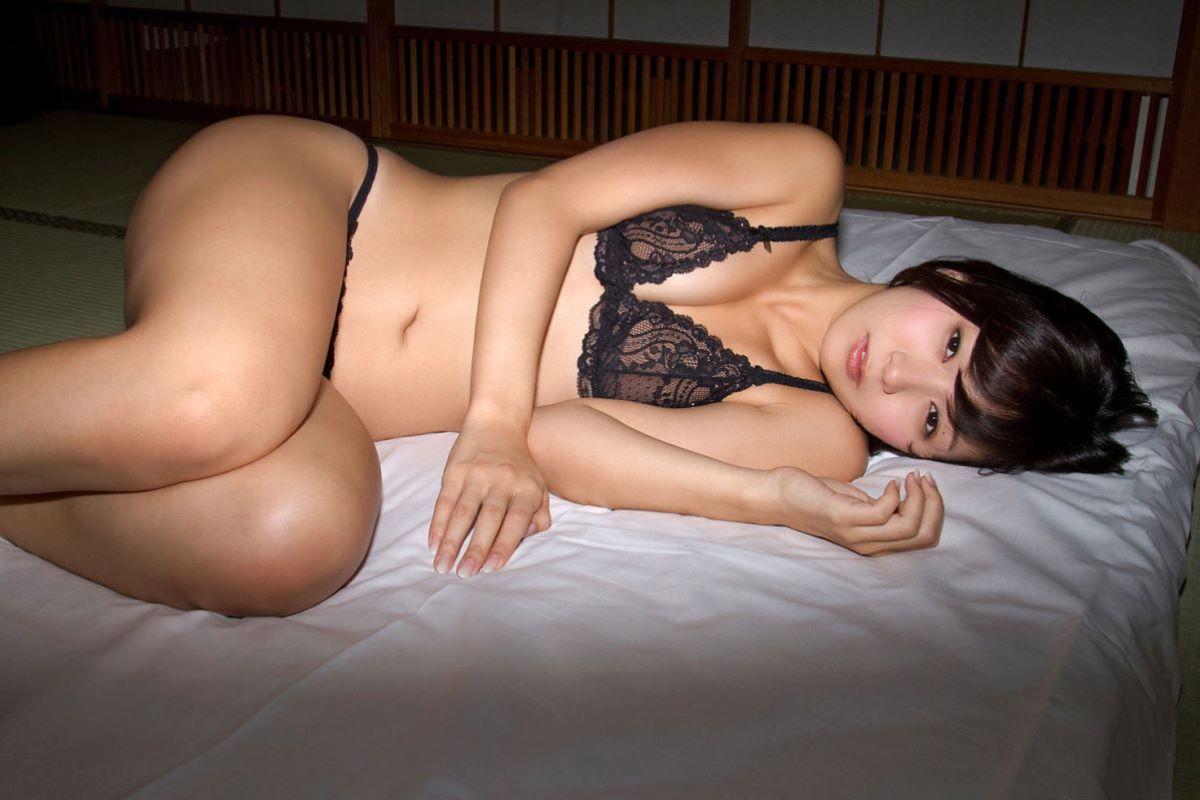 階戸瑠李 エロ画像 46