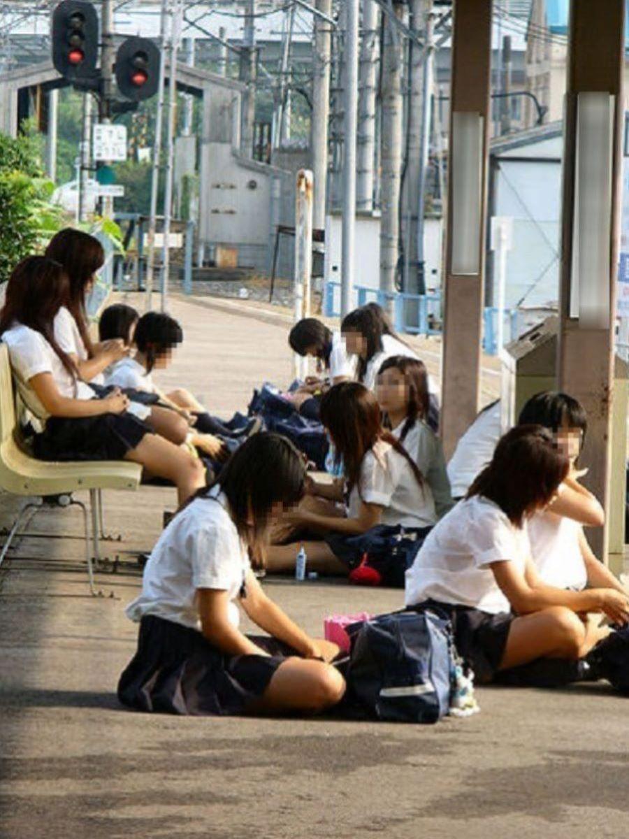 制服JK 女子高生 通学風景 画像 15