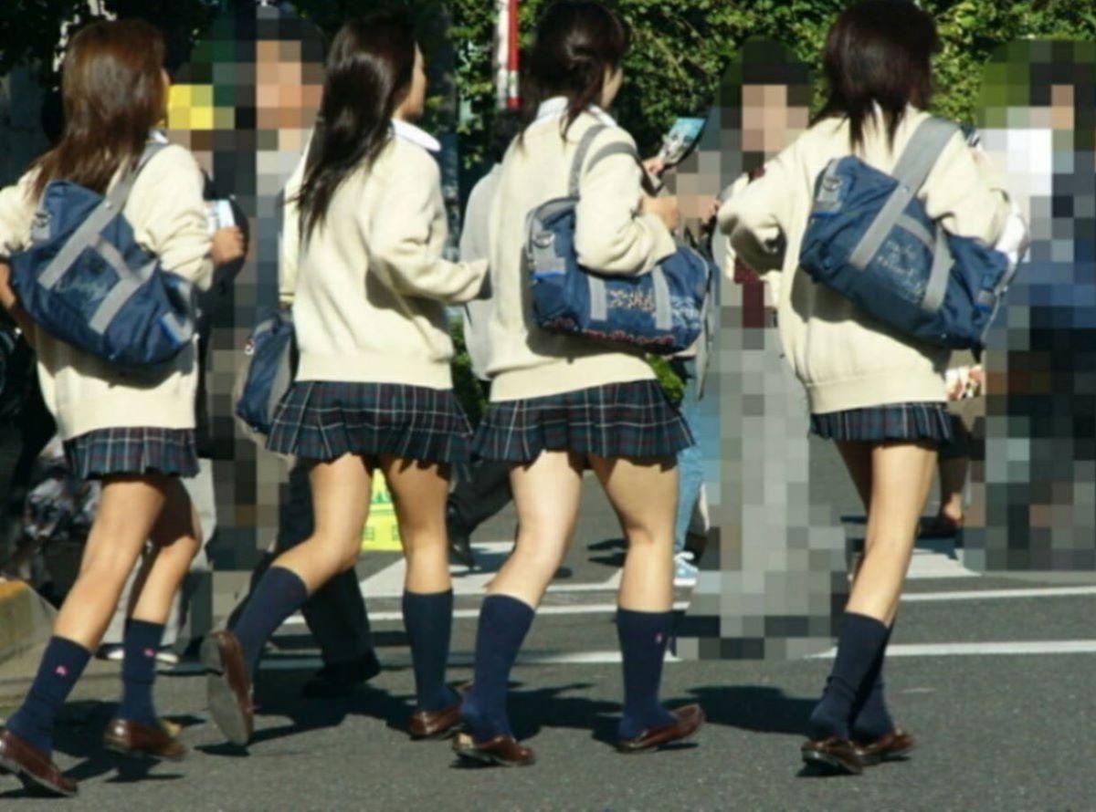 制服JK 女子高生 通学風景 画像 42