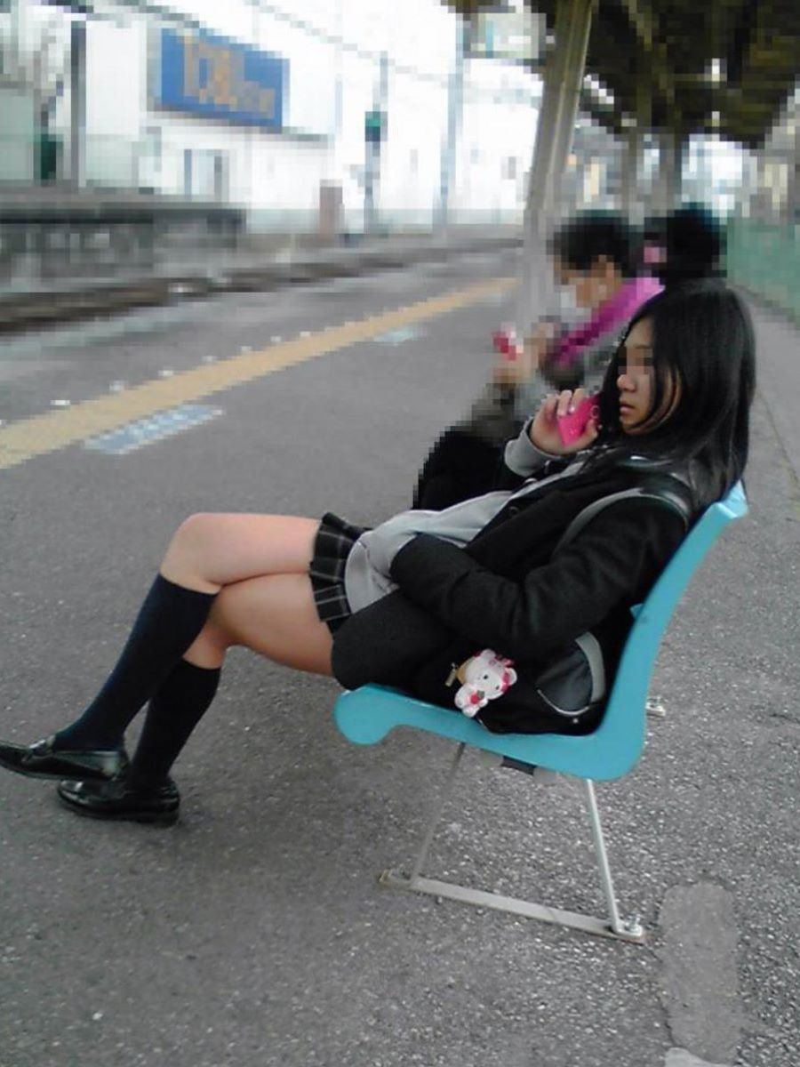 制服JK 女子高生 通学風景 画像 57