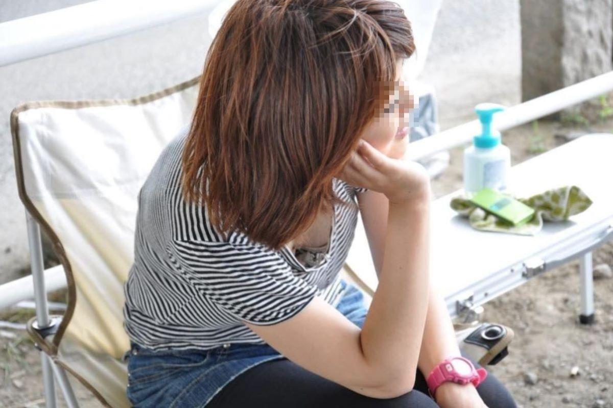 胸チラ 素人奥さん ゆるい胸元 エロ画像 91