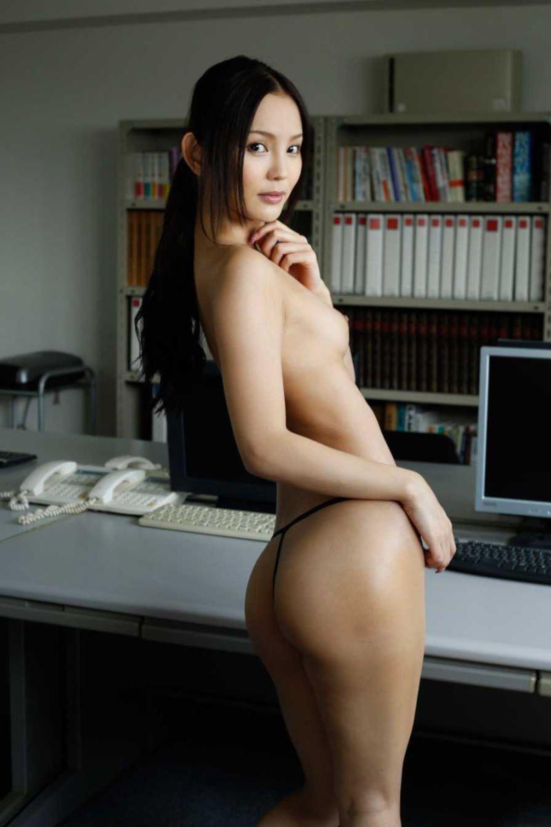 丘咲エミリ 無修正 SEX画像 46