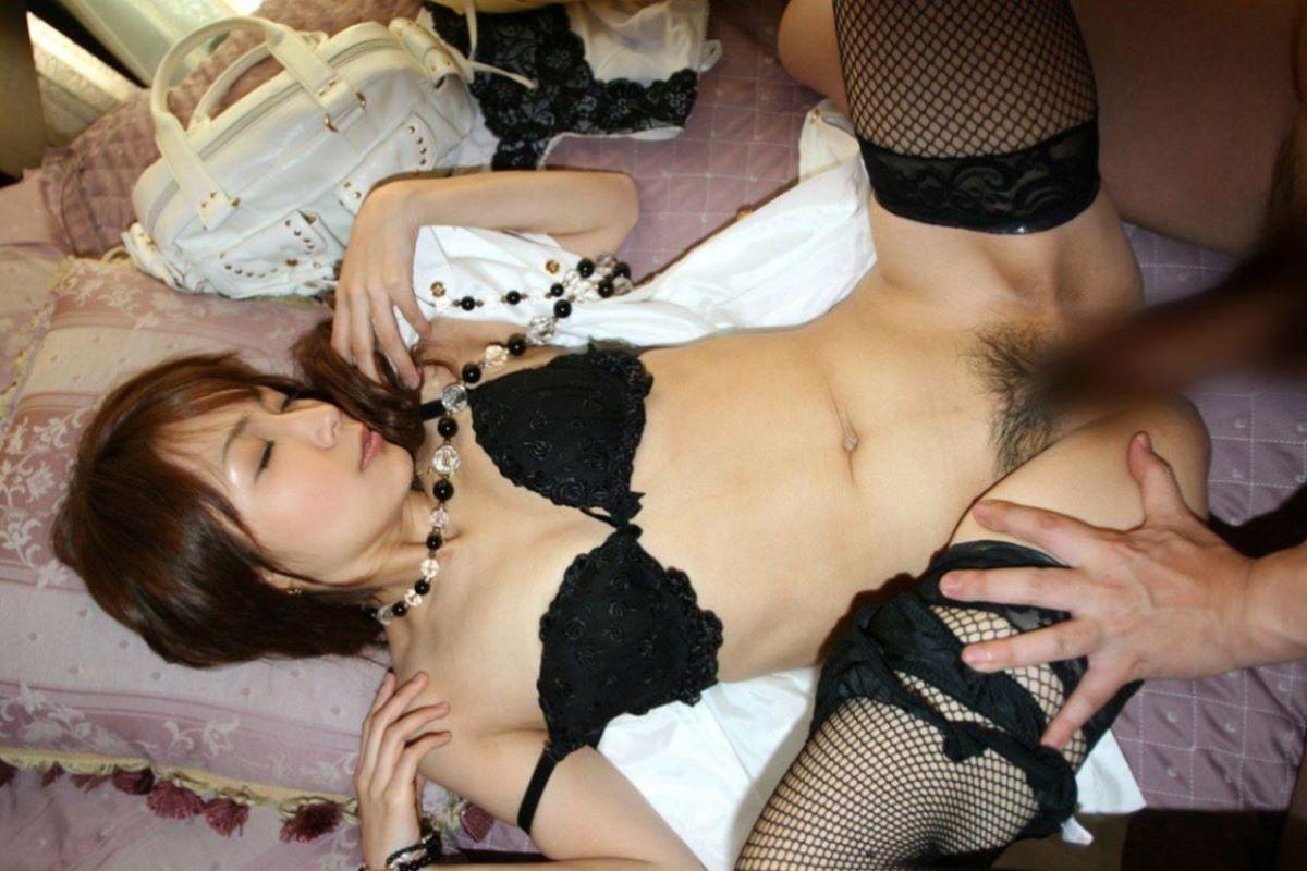 セックス 正常位 画像 50