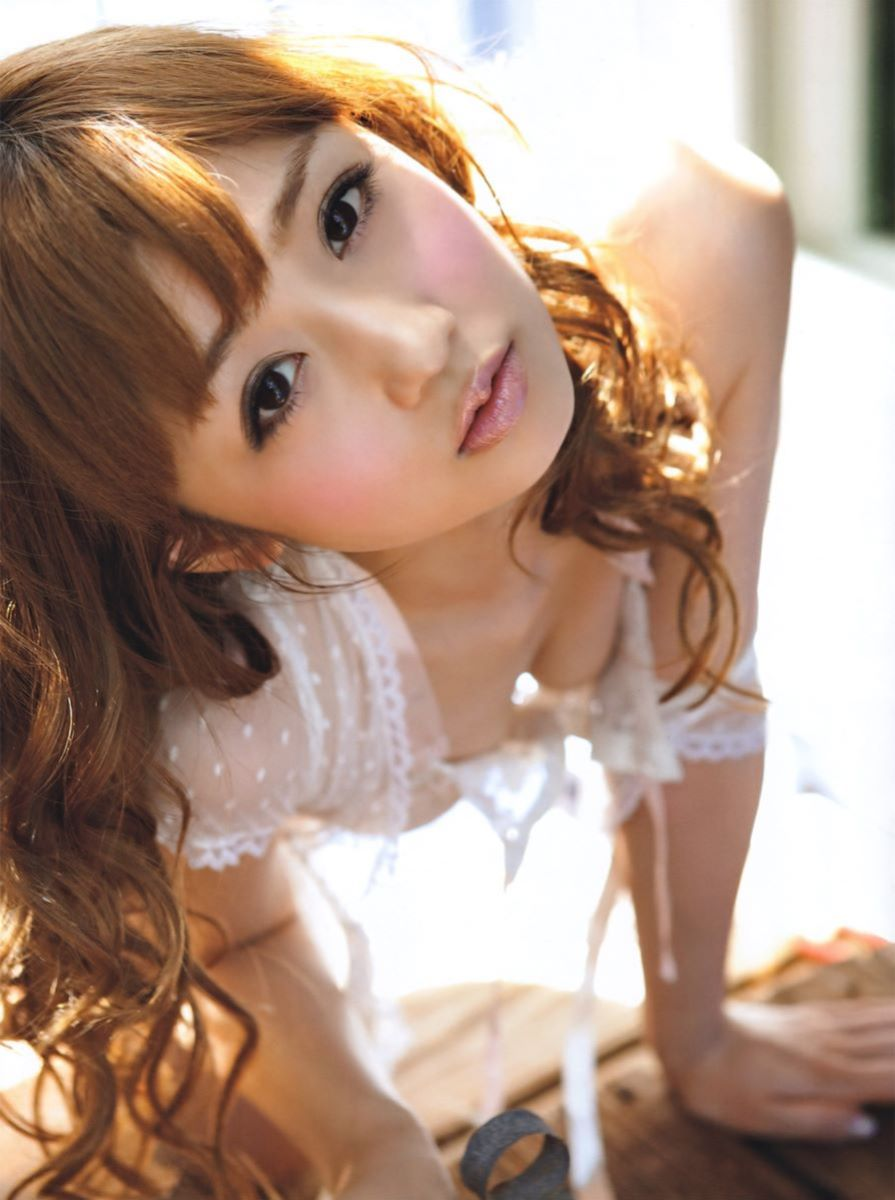小倉優子エロ画像!!ママでも可愛いゆうこりんが180枚