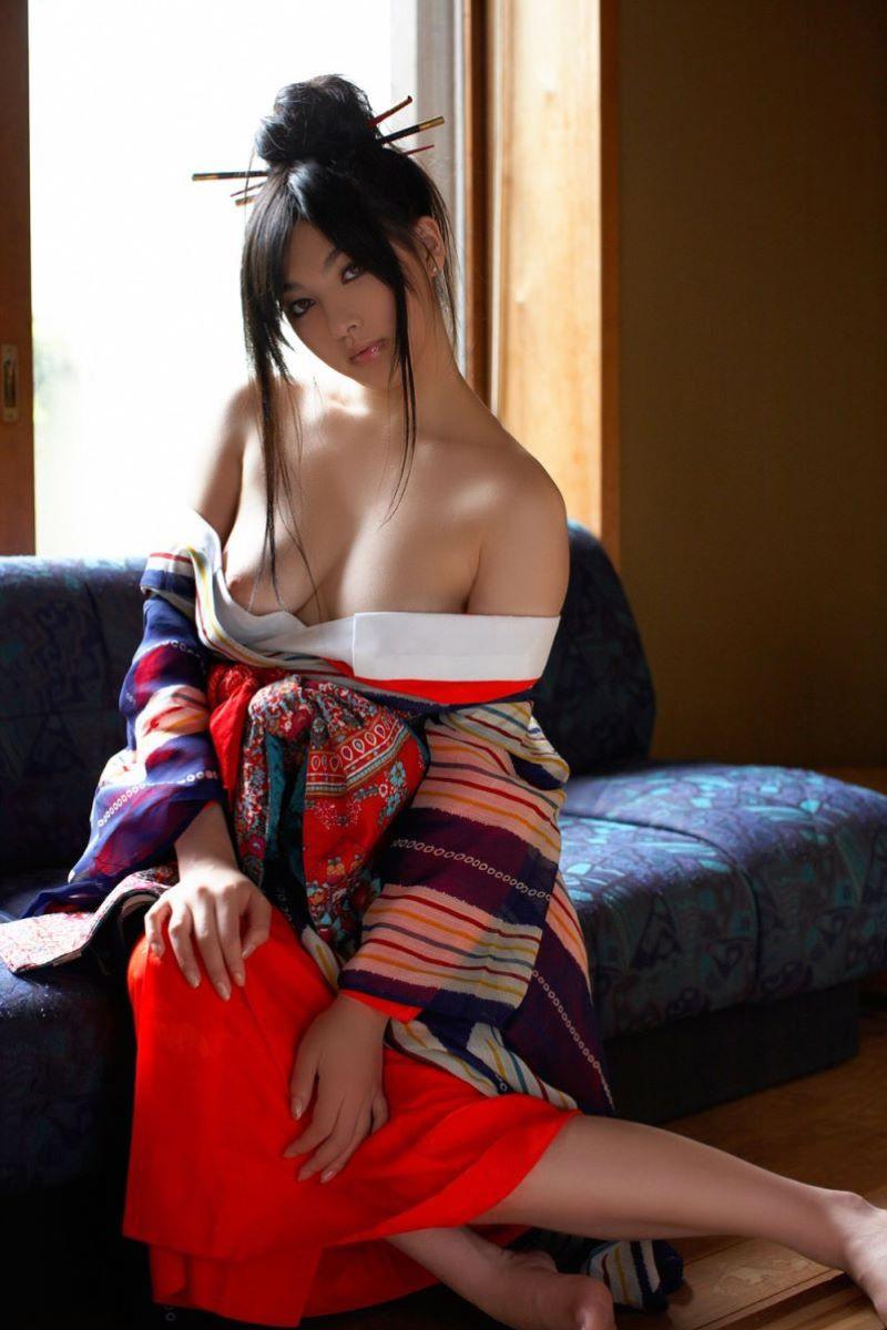 和服美女 鎖骨 エロ画像 1