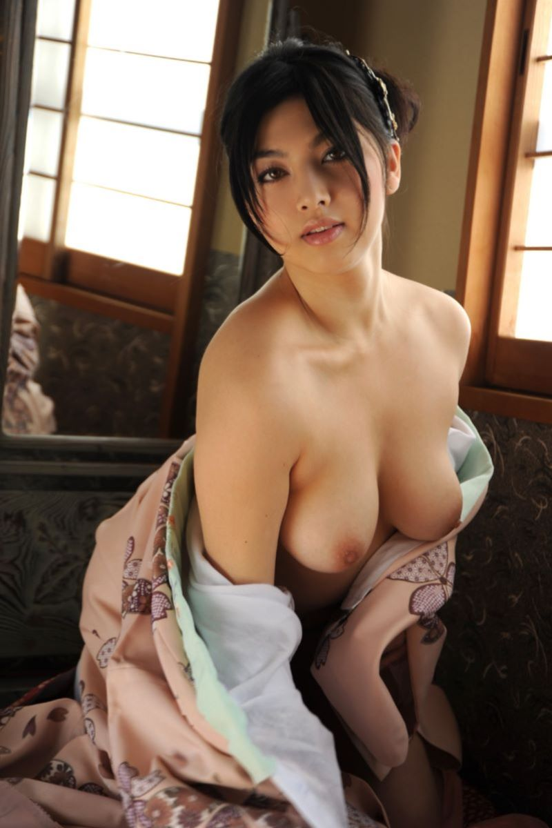 和服美女 鎖骨 エロ画像 4