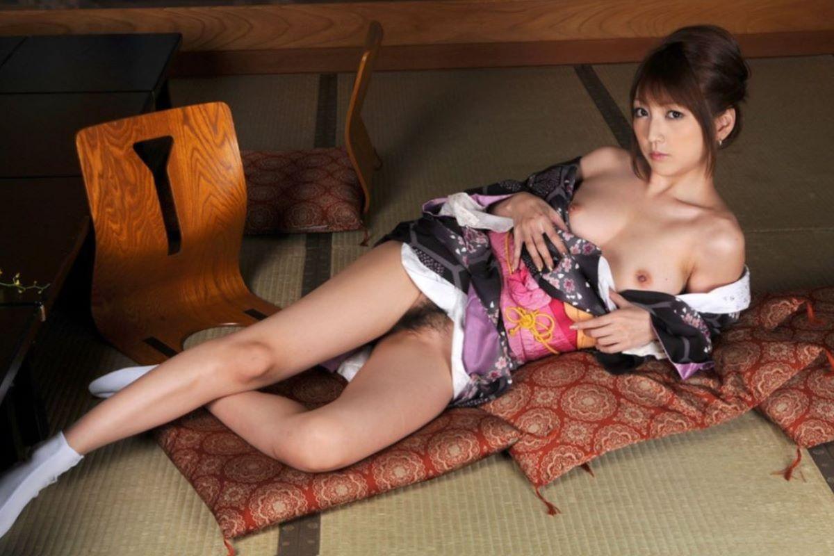 和服美女 鎖骨 エロ画像 12
