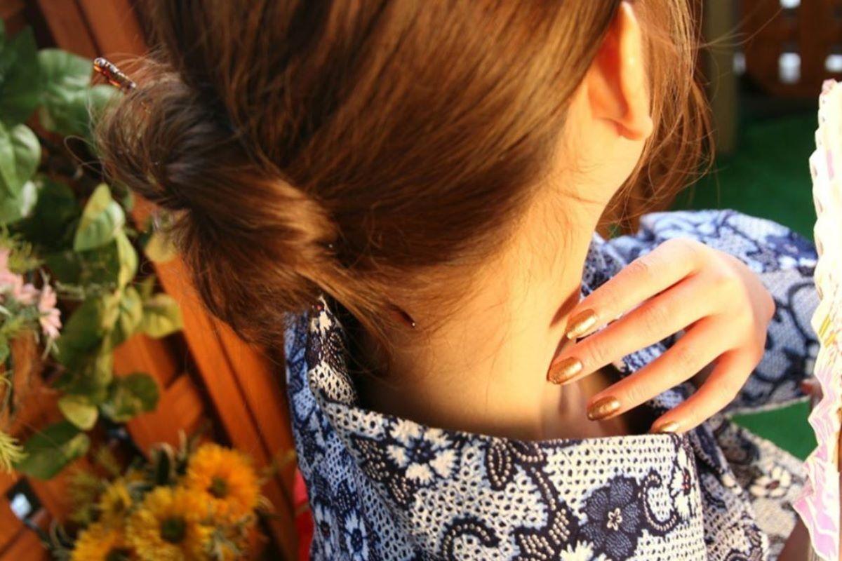 和服美女 鎖骨 エロ画像 40
