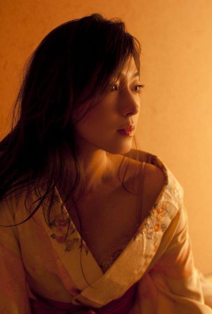 和服美女 鎖骨 エロ画像 135