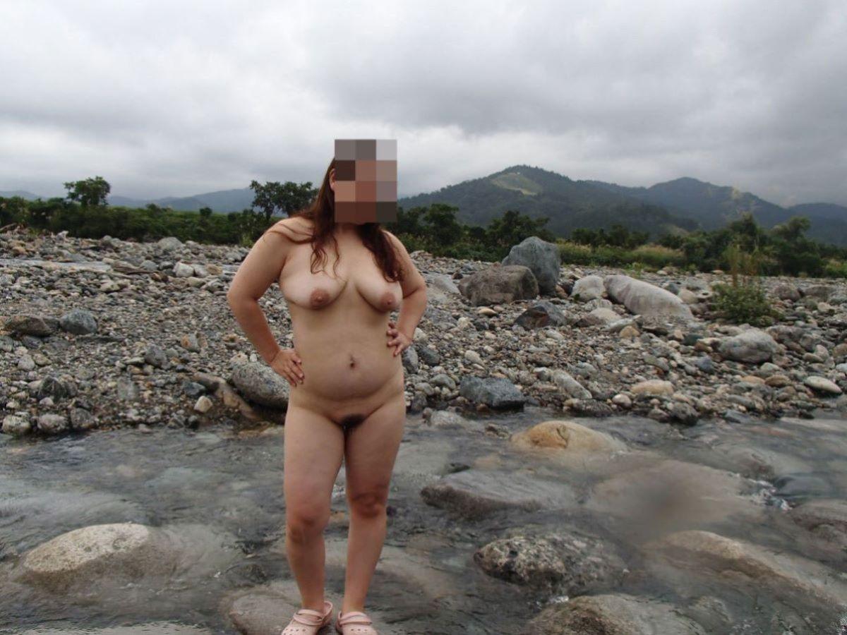 素人熟女 野外露出 画像 5