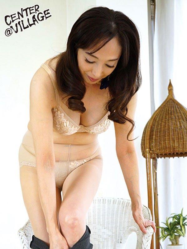 音羽文子 五十路妻 セックス画像 4