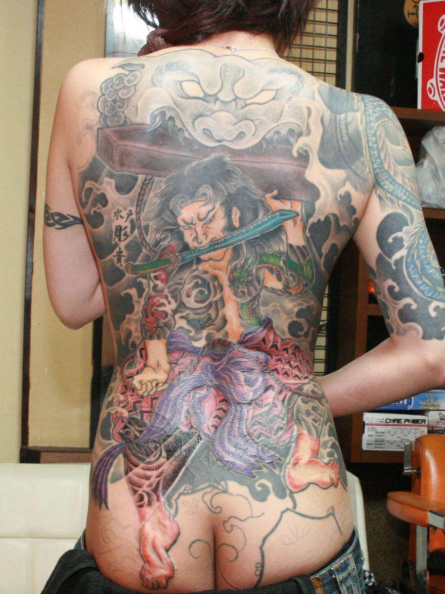 和彫りの刺青エロ画像 7