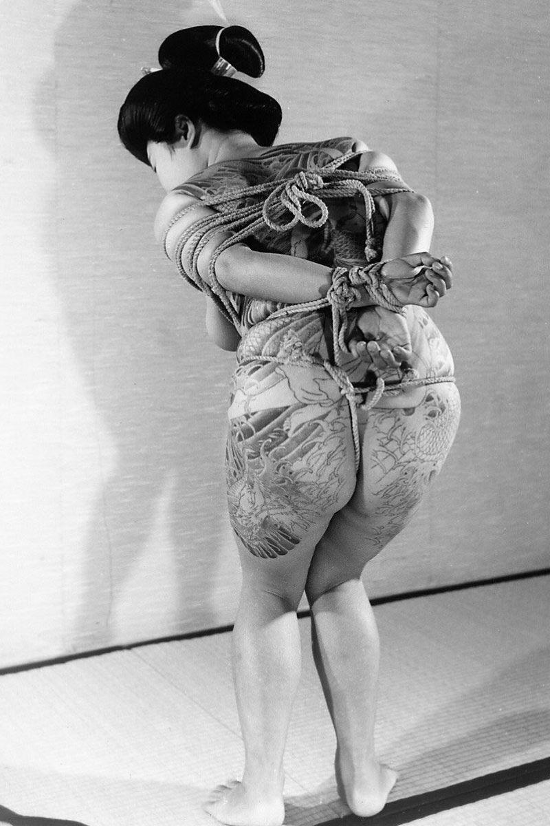 和彫りの刺青エロ画像 9