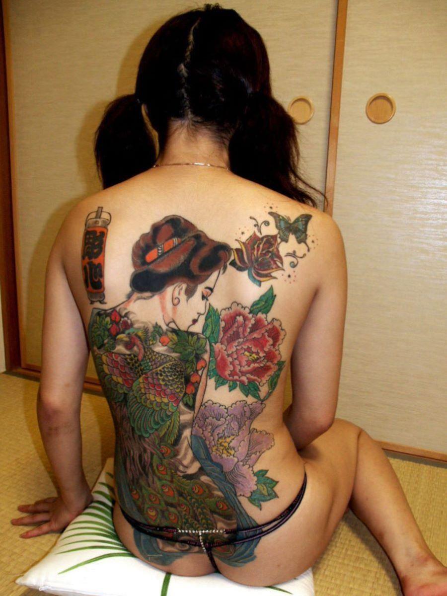 和彫りの刺青エロ画像 17